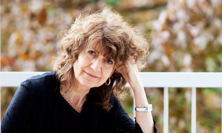 "Susie Orbach: ""Young Women Face a Mental Health Crisis"""