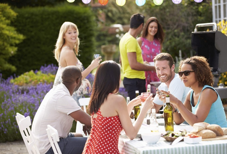 How to Keep Picnics and Barbecues Healthy this Summer